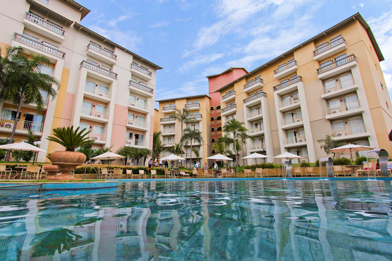 Hospedagem nobile resort thermas de ol mpia thermas vip for Piscina olimpia sabadell fotos